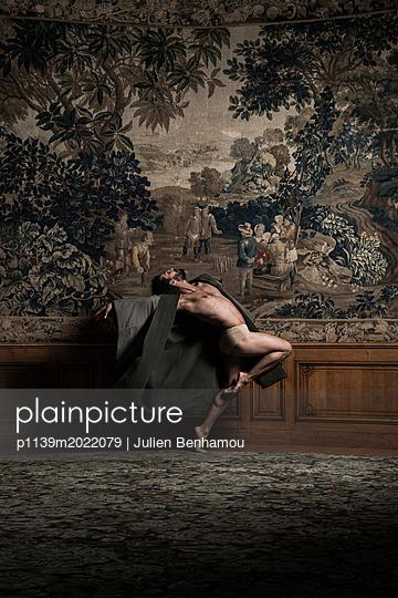 Ballet dancer - p1139m2022079 by Julien Benhamou