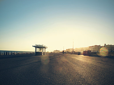 Brighton sea front in afternoon sunlight - p1072m829460 by Neville Mountford-Hoare