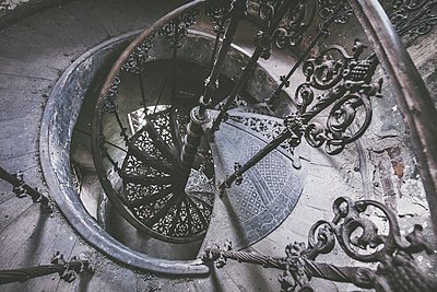 Abandoned Castle - p1512m2037946 von Katrin Frohns