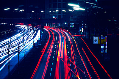 Hamburg, Light trails - p851m2077218 by Lohfink