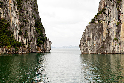 Halong-Bucht - p910m778241 von Philippe Lesprit