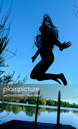 Jump for joy - p427m2203641 by Ralf Mohr