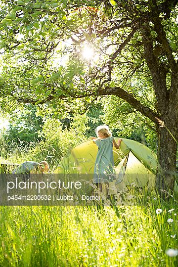 Green camping - p454m2200632 by Lubitz + Dorner
