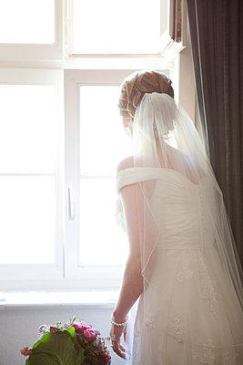 Wedding day - p441m886125 by Maria Dorner
