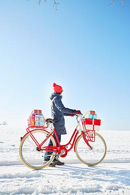 Weihnachtsgeschenke Lieferung - p464m1550346 von Elektrons 08