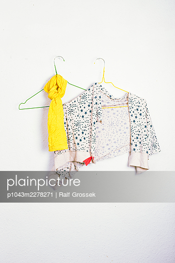 cleaning rags - p1043m2278271 by Ralf Grossek