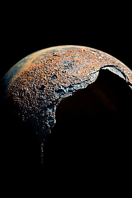 Rusty moon - p1032m853734 by Fuercho