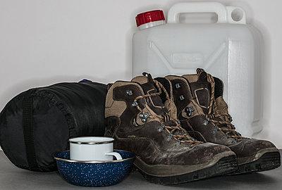 Campingausrüstung - p1082m2015486 von Daniel Allan