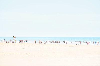 Menschen am Meer - p1312m1511184 von Axel Killian
