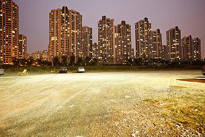 Wohnsilos in Shanghai - p1980257 von David Breun