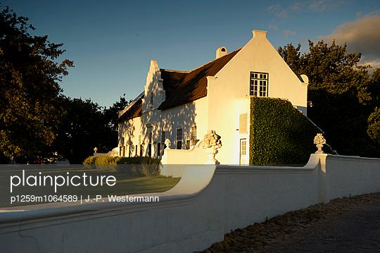 Villa - p1259m1064589 von J.-P. Westermann