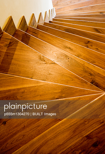 Wooden downward staircase - p555m1304270 by BUILT Images