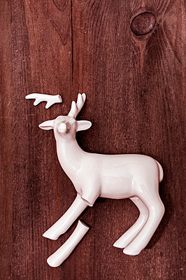 Broken porcelain deer - p971m1006854 by Reilika Landen