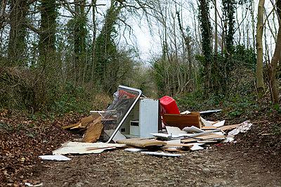 Illegale Müllentsorgung I - p1057m856393 von Stephen Shepherd