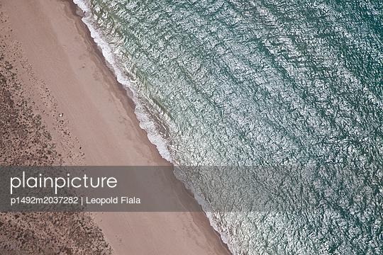 Strand Luftaufnahme - p1492m2037282 von Leopold Fiala