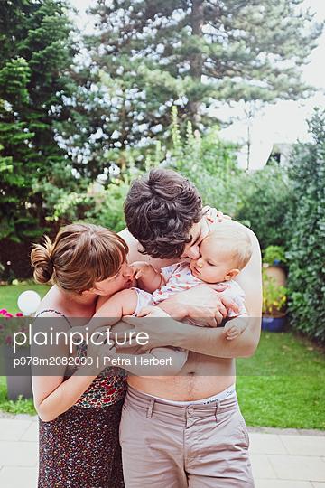 Kleine Familie - p978m2082099 von Petra Herbert