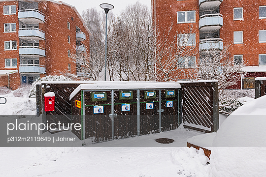 Recycling bins - p312m2119649 by Johner