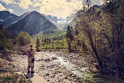 Slovenia, man fly fishing in Soca river - p300m1499302 by Matthias Buchholz