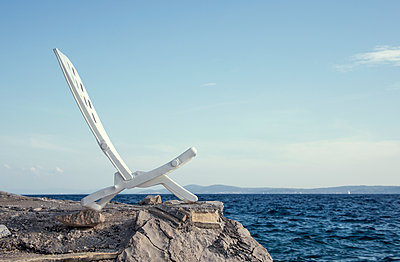 Sunlounger with sea view - p1443m2039246 by SIMON SPITZNAGEL