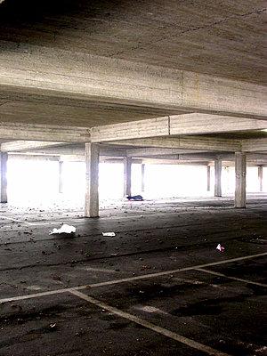 Underground carpark - p9792573 by Klueter