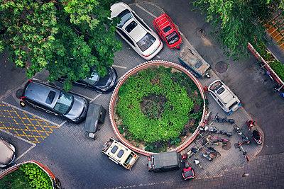 China, Beijing, Parking cars - p1653m2259829 by Vladimir Proshin