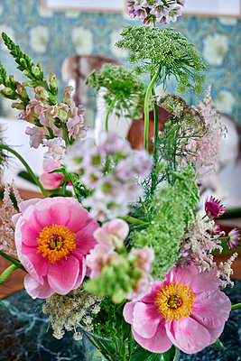 Fresh bouquet - p312m1557144 by Pernilla Hed