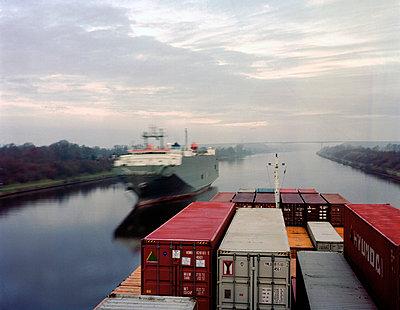 Containerschiff - p1016m755507 von Jochen Knobloch