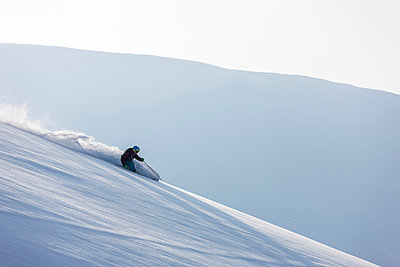 Person skiing - p312m800281f by Henrik Trygg