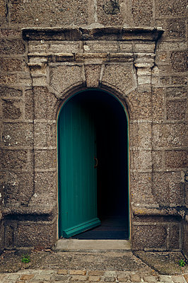 Door of a church in Brittany - p470m2128909 by Ingrid Michel