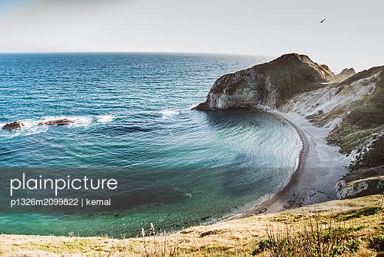 Beach and blue sea - p1326m2099822 by kemai
