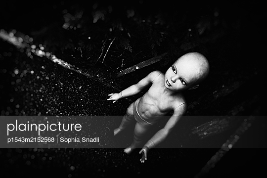 Lost  - p1543m2152568 by Sophia Snadli