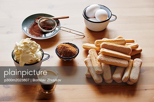 Ingredients for preparing Tiramisu - p300m2023807 von Borislav Zhuykov