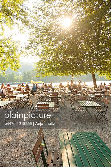 Noch Plätze frei - p447m1219356 von Anja Lubitz