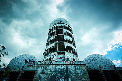 Former radar station, Teufelsberg, Berlin - p851m2205846 by Lohfink