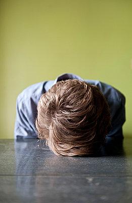 Depressiver Student - p8000041 von Emma McIntyre