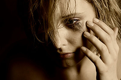 Sad girl - p974m661447 by Volker Banken