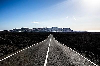 Landstraße auf Lanzarote - p1082m1538987 von Daniel Allan