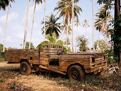 Wooden car - p751m1584798 by Dieter Schwer