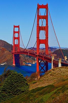 Golden Gate Bridge - p1399m1528859 by Daniel Hischer