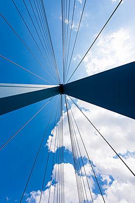 Stahlseile der Köhlbrandbrücke - p488m1048462 von Bias