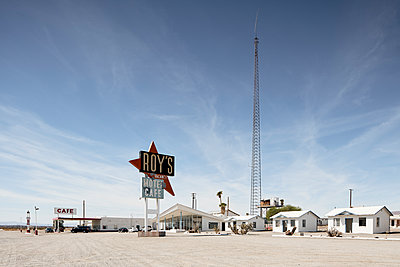 Roy's cafe is located on historic route 66  - p850m2026717 by FRABO