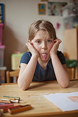Zunge rausstrecken - p586m763591 von Kniel Synnatzschke
