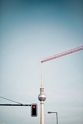 Public space in Berlin - p795m1031511 by Janklein