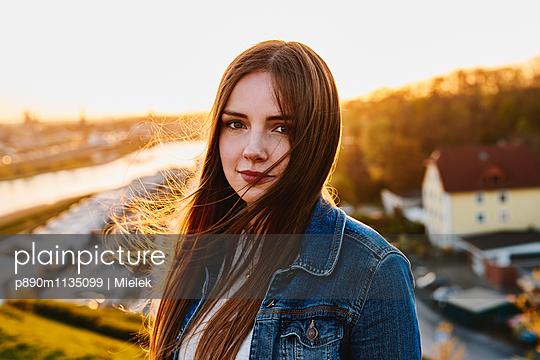 Portrait - p890m1135099 von Mielek