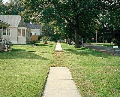Sidewalk - p1415m2076769 by Sophie Barbasch