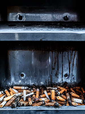 Ash Tray - p1280m1529066 by Dave Wall