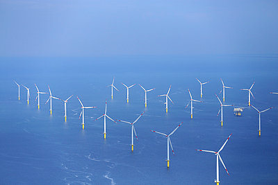 Offshore wind farm 'Riffgat' - p1016m925696 by Jochen Knobloch