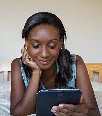 Reading e-book comfortably - p448m851078 by Safia Fatimi
