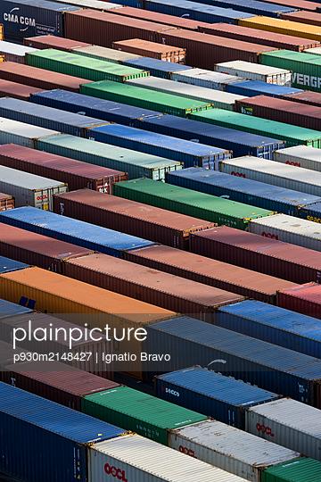 Cargo container - p930m2148427 by Ignatio Bravo