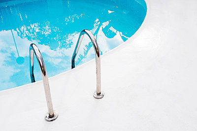 Luxuriöses Schwimmbad - p1423m2055638 von JUAN MOYANO